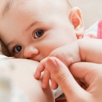Moms need to help their babies latch-on correctly and babies need to suck correctly. Here's how to tell if your baby's latch and sucking is correct: