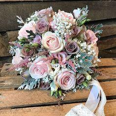 Gorgeous bridal bouquet by @flowerdesignlichfield . . . #meijerroses #flowers #flowerstagram #flowerpower #weddings #weddinginspiration #flowerslover #weddingflowers #weddingideas #bride #flowermagic #weddingday #weddingstyle #weddingtime  #weddinginspo #weddingseason #bridetobe #photooftheday #weddings #weddingdecor #weddingparty #flower #flowerstalking #bohowedding #rusticwedding