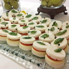 trendy ideas for baby shower food appetizers snacks appetizer ideas Shower Appetizers, Yummy Appetizers, Appetizer Recipes, Appetizer Ideas, Köstliche Desserts, Delicious Desserts, Party Sandwiches, Snacks Für Party, Food Platters