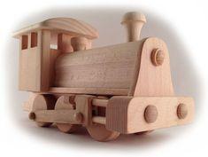 Как сделать своими руками поделку, игрушку из дерева паровоз, поезд?