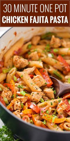 This One Pot Chicken Fajita Pasta is so creamy and flavorful, and is ready in less than 30 minutes! Tender chicken, crisp veggies, and tender pasta smothered in a spicy, creamy sauce! Click the photo for the full post! Spicy Chicken Pasta, One Pot Chicken, Veggie Pasta, Chicken Pasta Recipes, Easy Pasta Recipes, Chicken Fajitas, Cooking Recipes, Healthy Recipes, Chicken Fajita Casserole