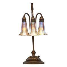 TIFFANY STUDIOS Three-light Lily table lamp