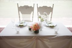 Adorable sweetheart table! Image by Carrie Wildes Photography. http://www.ilovefarmweddings.com/2014/04/28/kamila-chris-married-in-florida/