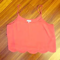 Scalloped edge crop tank LA Hearts brand. Flowy and adorable hem. Small snag on low back, priced accordingly.  Urban Outfitters Tops Crop Tops