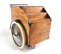 Kart Food, Carrinho Gourmet, marca Art Trike. Marcenaria em madeira de pinus, expositor escada. Baú para uso em eventos, decoração, venda, marketing.