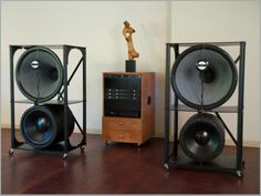 http://www.fidelityhorns.com/products_home.htm