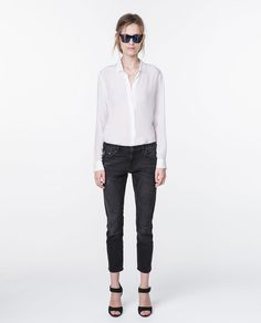 Image 1 of RELAXED-FIT MEDIUM-RISE JEANS from Zara