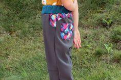 Střih na dětské rostoucí softshellové kalhoty Softshell, Pajama Pants, Pajamas, Fashion, Pjs, Moda, Sleep Pants, Fashion Styles, Pajama