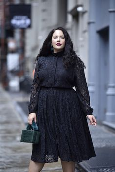 Girl With Curves X Lane Bryant Collection Pleated Lace Dress Via Curvy Outfits, Plus Size Outfits, Fashion Outfits, Plus Size Fashion For Women, Plus Size Women, Flattering Plus Size Dresses, Vestidos Plus Size, Look Plus Size, Modelos Plus Size