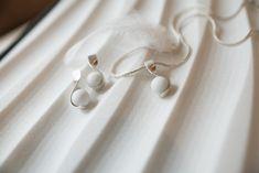 Handgefertigter Marmorschmuck aus unserem hauseigenen Atelier! Laaser Marmor , einer der teuersten Natursteine der Welt, liebevoll verarbeitet zu einem besonderem Schmuckstück. Pearl Earrings, Pearls, Jewelry, Fashion, Atelier, Natural Stones, Marble, Chocolate, Handmade