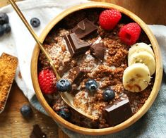 Chocolate Quinoa Breakfast Bowl | Make Your Mornings Extra Special With These 12 Delicious and Healthy Breakfast Recipes You Simply Can't Resist | http://homemaderecipes.com/healthy-breakfast-recipes/