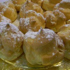 Profiteroles rellenos de crema pastelera, deliciosos!!! Tahona Artesanal Gourmet Bilbao.