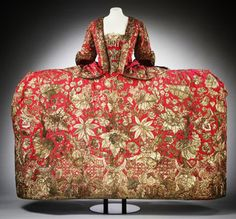 Mantua | c.1740s —This is a magnificent example of English court...