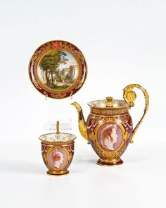 coffee pot and cup with saucer with portraits of Louis Philippe I and Louise d'Orléans Sèvres, 1836/37 - Malerei: Alexandre-Victor Poupart Sèvres, 1836/37 - painted by Alexandre-Victor Poupart