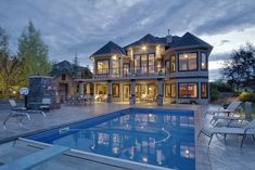 Looks just like a house I'd build for my Sims. Except they wouldn't have a pool cleaner.