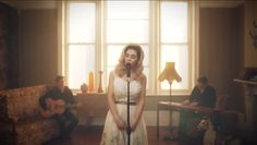 Marina and The Diamonds - Lies   Love the way she sings this acoustically and the lyrics