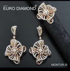 Diamond based beautiful pendant set