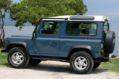 #3 in the imaginary collection - LR Defender 90, blue, hardtop, jump seats