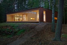 PlusVillas leisure home and sauna Completed in 2007 Customer: A family of four Area in total: approximately 127 Location: Southern Finland Princi Summer Cabins, Villa, Tiny House Design, Helsinki, Modern Architecture, Home And Family, Outdoor Structures, House Styles, Outdoor Decor