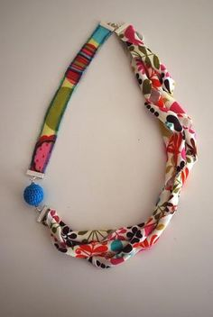 DIY Jewelry DIY Necklace  : DIY Craft Tutorial: Knit Fabric Necklace
