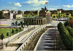 #Berlin #Wall at Brandenburg Gate -1973