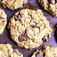 Almond Butter Oatmeal Chocolate Chip Cookies (VGF): An easy deliciously simple cookies packed with almond butter. Oatmeal Protein Cookies, Oatmeal Chocolate Chip Cookie Recipe, Oat Cookies, Cookies Vegan, Oatmeal Cups, Yummy Cookies, Gluten Free Sweets, Gluten Free Cookies, Pumpkin Muffin Recipes