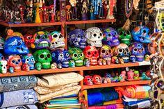 Es imposible irse de México sin llevarse recuerdos de lo que es su memoria cultural plasmada en objetos. El color y las formas llaman poderosamente la atención de todos los visitantes que llegan por primera vez a México. El centro de Cancún, al igual que el de la Riviera Maya está lleno de sitios en donde las artesanías mexicanas toman protagonismo. Compra calaveras, tomá tequila y hospedate en un All Inclusive de Cancún http://www.bestday.com.ar/Playa_del_Carmen/ReservaHoteles/