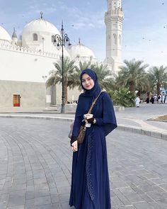 Hijab Dress Party, Hijab Style Dress, Hijab Wedding Dresses, Beautiful Muslim Women, Beautiful Hijab, Arabian Nights Dress, Cute Muslim Couples, Islam Women, Most Beautiful Bollywood Actress