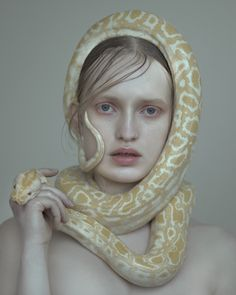 THERE IS NOT ENOUGH MONEY TO PAY ME TO HAVE A SNAKE WRAP AROUND MY HEAD OR NECK !!