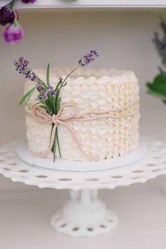 Gorgeous 60+ Simple and Elegant Wedding Cake Ideas https://weddmagz.com/60-simple-and-elegant-wedding-cake-ideas/