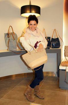 Alba Rico, Naty en la serie de Violetta con bolsos de Clenapal http://www.albariconavarro.com.ar/2014/01/clenapal.html