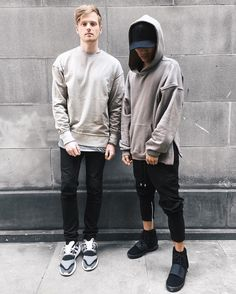 Look at these urban fashion. all i do is hang with the young and heartless. photo by by blvckmvnivc Trendy Mens Fashion, Fashion Moda, Stylish Men, Urban Fashion, Men's Fashion, Street Fashion, Latest Mens Wear, Urban Outfits, Poses