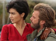 At the beginning of the series Cesur ve Guzel when Cesur (Kivanc Tatlitug) saves Suhan (Tuba Buyukustun) from a run away horse. Hairstyles Over 50, Pixie Hairstyles, Cute Hairstyles, Short Dark Hair, Short Hair Cuts, Short Hair Styles, Chic Haircut, Grown Out Pixie, Excellent Movies