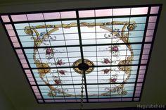 g-convidrio Vitraux pintado con flores y accesorios ornamentales clásicos - diseñado y realizado en 2011- Buenos Aires.#vitraux  #vidrio   #glass-art  #vetrata-decorata