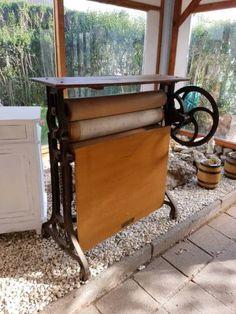 wunderschöne Mangel mit aufklappbarem Tisch - super zum Dekorieren oder auch als Schreibtisch im...,antike Mangel - als Schreibtisch Dekotisch shabby in Rüsselsheim - Rüsselsheim