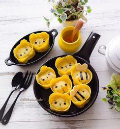 Pooh Bear gyoza by Little Miss Bento ( Cute Snacks, Cute Food, Good Food, Yummy Food, Kawaii Bento, Cute Bento, Kawaii Cooking, Food Art For Kids, Bento Recipes