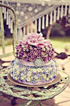 Marie Antoinette' Inspired Garden Wedding with Floral Cake Gorgeous Cakes, Pretty Cakes, Cute Cakes, Amazing Cakes, It's Amazing, Awesome, Bolo Floral, Floral Cake, Take The Cake