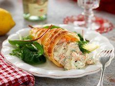 Läcker och lättfixad förrätt! Seafood Recipes, Cooking Recipes, Swedish Recipes, Appetisers, Food Humor, Fish And Seafood, Finger Foods, Food Inspiration, Love Food