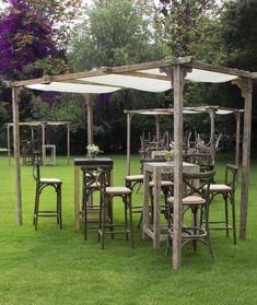 Mobiliario vintage en jardín │ doblezero.events