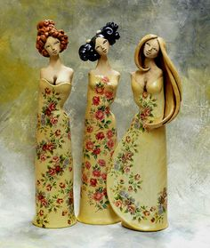 I really like this style of sculpture.. No arms is interesting, their hair is amazing, and their dresses are really pretty!