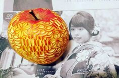 Apple. Mukimono 剥き物. Fruit-vegetable carving. Japanese virtuoso Gaku