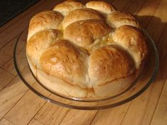 Pogacha (Po-Gotcha) This is a celebratory bread that Macedonians (and other Balkan Peoples) use when celebrating weddings, Saints Patron days, baptisms,etc. Albanian Recipes, Bosnian Recipes, Bulgarian Recipes, Albanian Food, Balkan Food, Macedonian Food, Cakes Plus, Food Tags, Greek Dishes