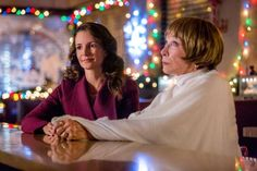 """Check out the photo gallery from the Hallmark Hall of Fame Original Movie """"A Heavenly Christmas"""" starring Eric McCormack, Kristin Davis and Shirley MacLaine. Best Hallmark Christmas Movies, Holiday Movie, Hallmark Movies, Brian Doyle Murray, Alan Thicke, Royal Christmas, Christmas 2016, Christmas Ideas, Merry Christmas"""