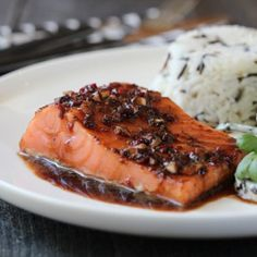 Soy Marinated Salmon with Apple and Cucumber Salad Marinated Salmon, Norwegian Food, Dinner Is Served, Weekly Menu, Cucumber Salad, Cooking Tips, Nom Nom, Seafood, Steak