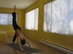 10 Minute Simple Yoga...you...except for that crazy handstand...
