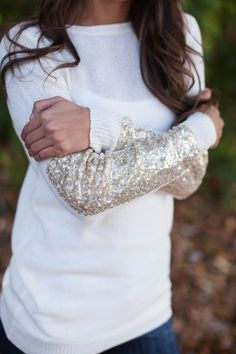 Lightweight sweater with glitter sleeve