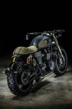 Vintage Motorcycles Triumph Thruxton R 'Neo Scrambler by Hedonic France Triumph Cafe Racer, Triumph Motorcycles, Gs 500 Cafe Racer, Custom Cafe Racer, Cafe Racer Bikes, Indian Motorcycles, Cafe Racer Motorcycle, Moto Bike, Cool Motorcycles
