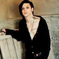 Andy Biersack is one of the most attractive men alive, Jesus Christ.