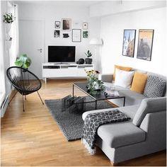 living room inspo – Home Decor İdeas Modern Living Room Tv, Apartment Living, Interior Design Living Room, Living Room Designs, Living Spaces, Studio Interior, Studio Apartment, Living Area, Interior Decorating