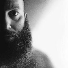 En DON VITO BEARD COMPANY nuestro excelente equipo nunca se detiene en la labor de brindar los mejores productos para tu barba y bigote recuerda que cualquier pregunta o consulta no dudes en escribirnos a: donvitobeardoil@gmail.com  Para más noticias y curiosidades síguenos con un me gustaen nuestra página de Facebook Don Vito Beard Oil…